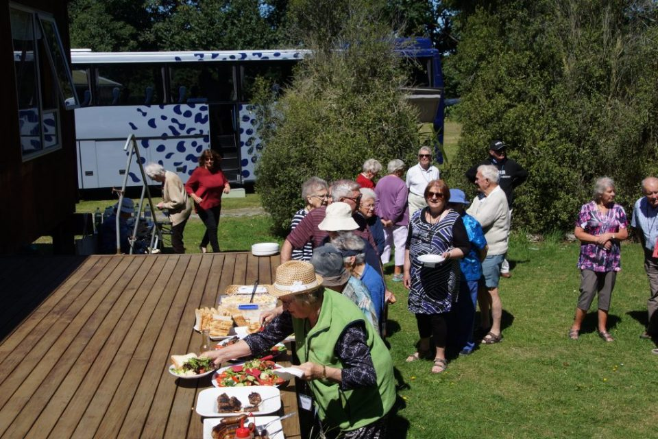 Archer Tours – Out and About for a picnic